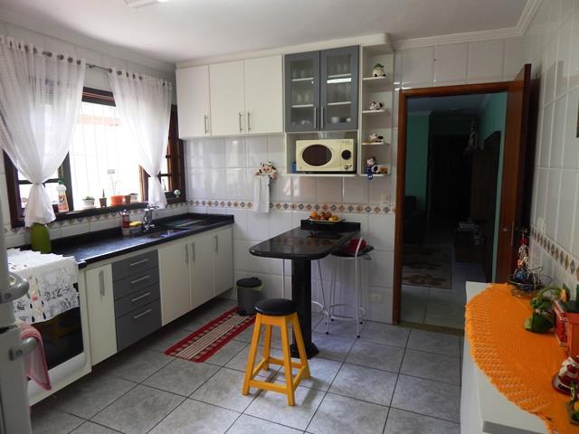 Casa de 3 dormitórios em Jardim Da Glória, Cotia - SP
