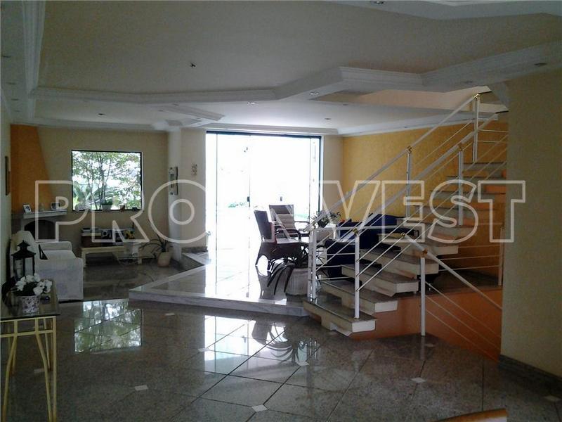 Casa de 4 dormitórios em City América, São Paulo - SP