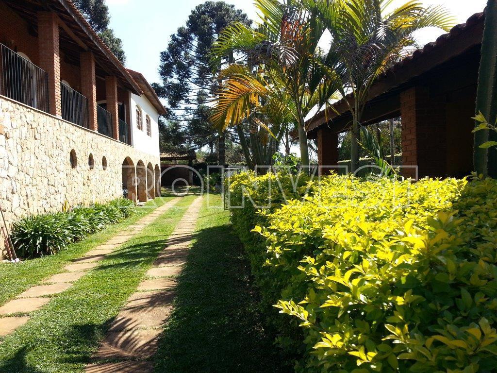 Chácara de 4 dormitórios em Chácara Remanso (Caucaia Do Alto), Cotia - SP
