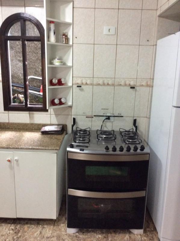 Casa de 4 dormitórios em Parque Primavera, Carapicuíba - SP