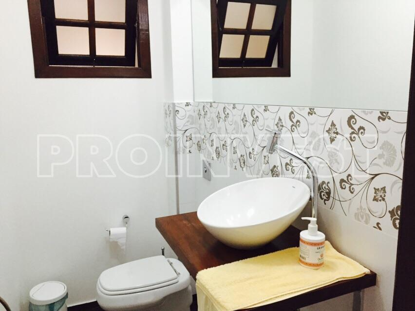 Casa de 2 dormitórios em Jardim Semiramis, Cotia - SP