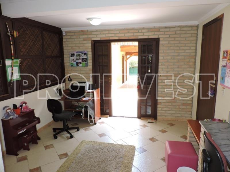 Casa de 5 dormitórios em Granja Viana, Carapicuíba - SP