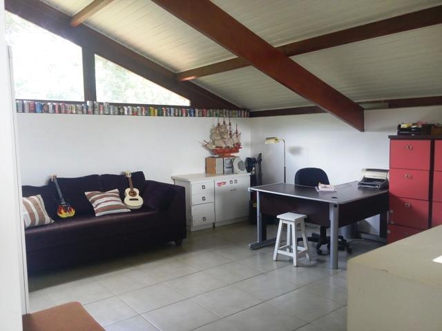 Casa de 3 dormitórios à venda em Pereiras, Cotia - SP