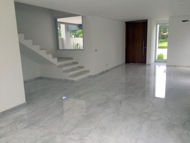 Casa de 4 dormitórios em Lorian Boulevard, Osasco - SP