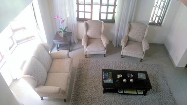 Casa de 3 dormitórios em Algarve, Cotia - SP