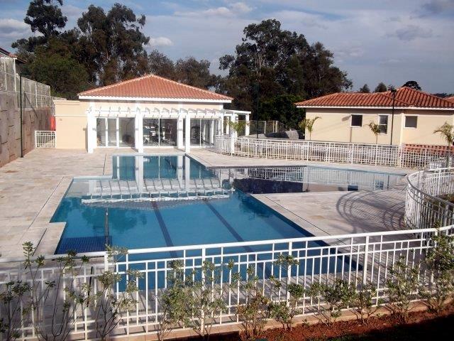 Apartamento de 2 dormitórios à venda em Jardim Petrópolis, Cotia - SP