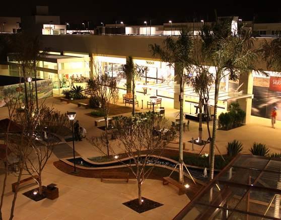 sala comercial para venda ou locação proprietario dá uma carência de 30 (trinta) meses na locação...