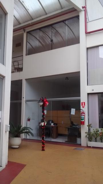 Loja à venda em Granja Viana, Cotia - SP