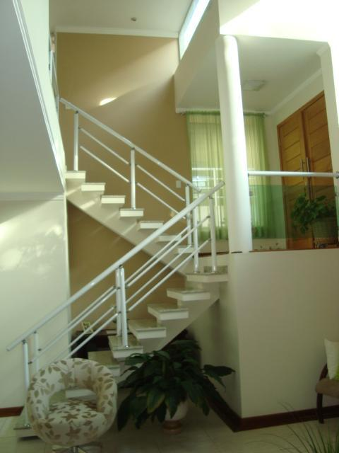 Casa de 3 dormitórios em Vila Verde, Itapevi - SP