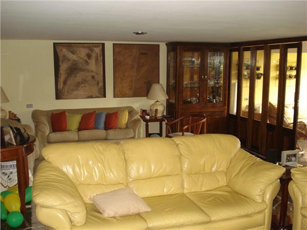 Casa de 5 dormitórios em Granja Viana, Cotia - SP
