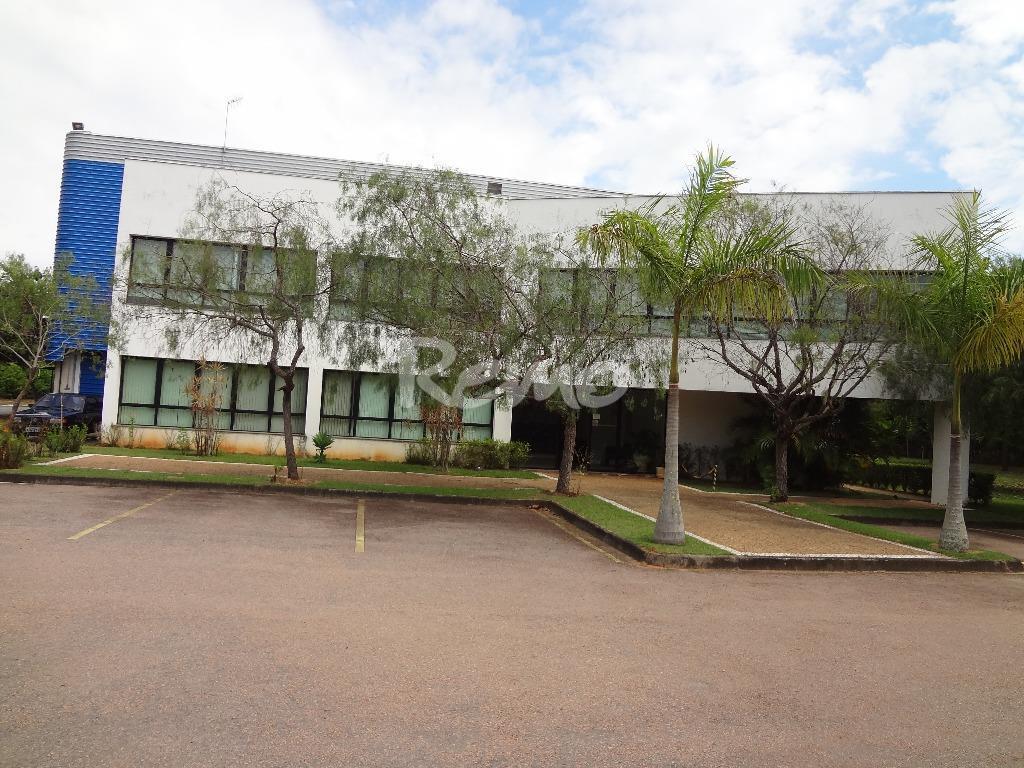 Galpão industrial em Itatiba, São Paulo - Frente para Rodovia.