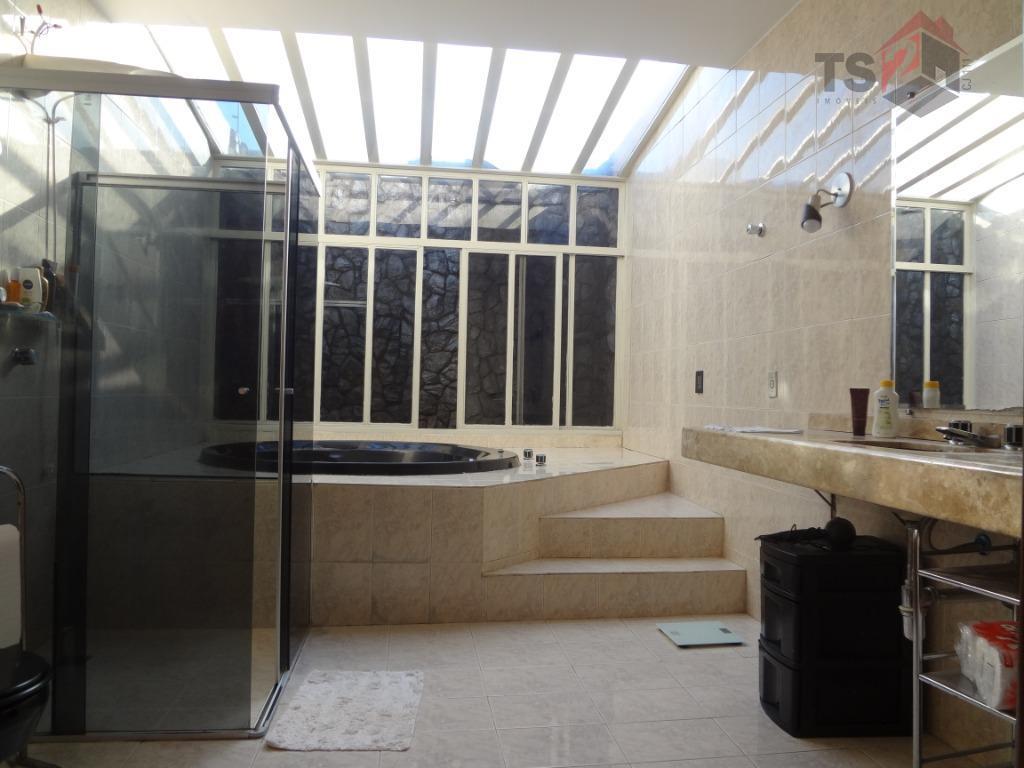 excelente casa super conservada, aconchegante, iluminação natural, pronta para morar. localização privilegiada próxima a estação do...
