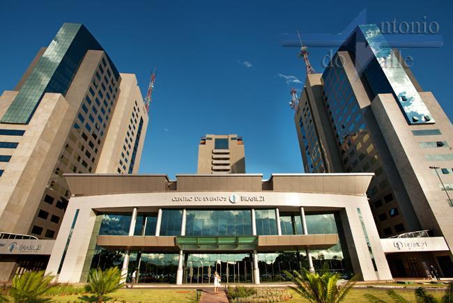 SHS - BRASIL 21 - CONJUNTO DE 7 SALAS / ANDAR ALTO / REFORMADAS / VISTA LIVRE