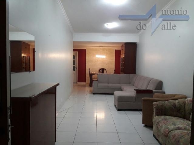 Casa com 03 quartos, churrasqueira, cozinha com armários à venda. Asa Sul