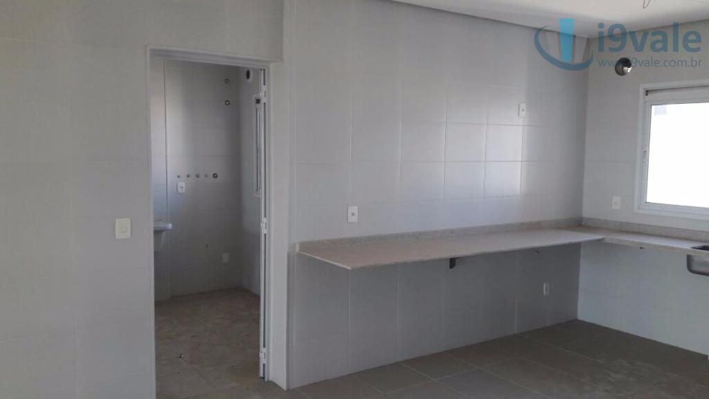 Apartamento de 4 dormitórios em Jardim Das Colinas, São José Dos Campos - SP