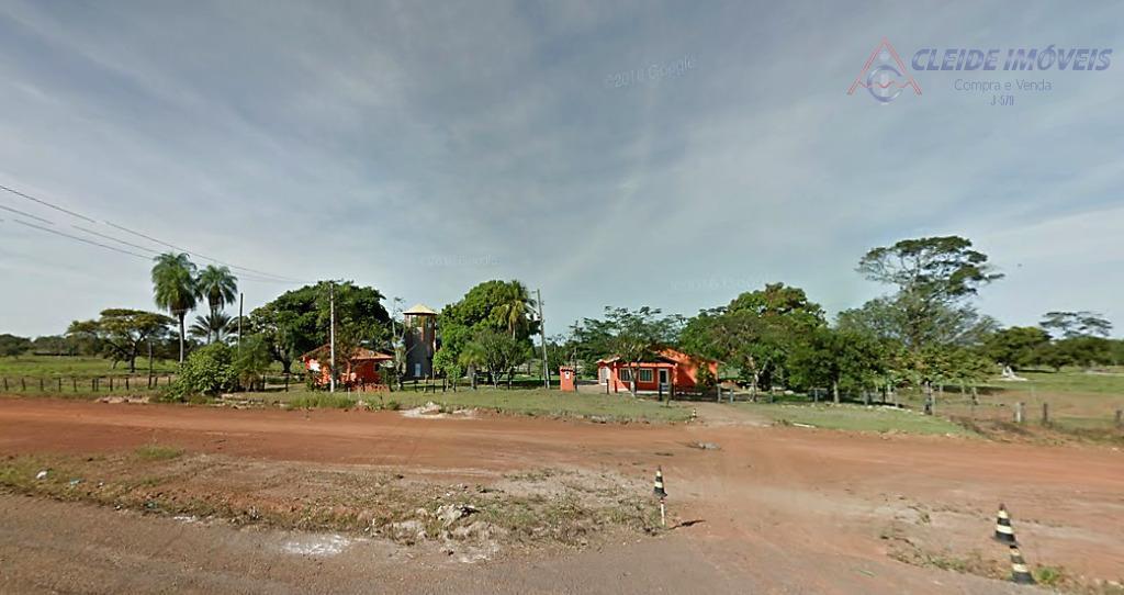 Fazenda  beira da pista Rodovia BR 364, Zona Rural, a 20Km de Cuiabá-MT.