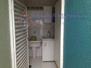 casa e condomínio fechado com sala para 2 ambientes, 3 quartos sendo 1 site, banheiro social,...