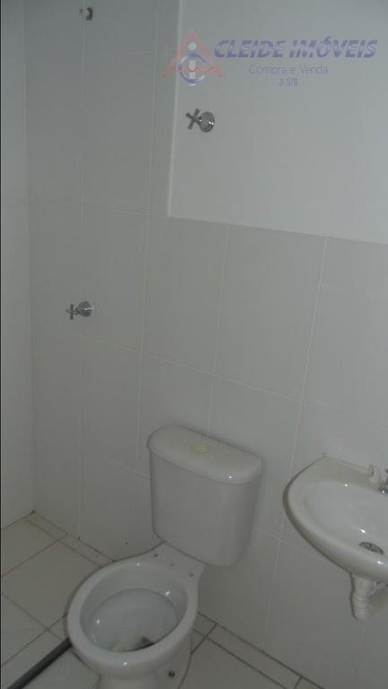 apartamento térreo com 2 quartos, banheiro social, sala, cozinha estilo americana com área de serviço. 1...