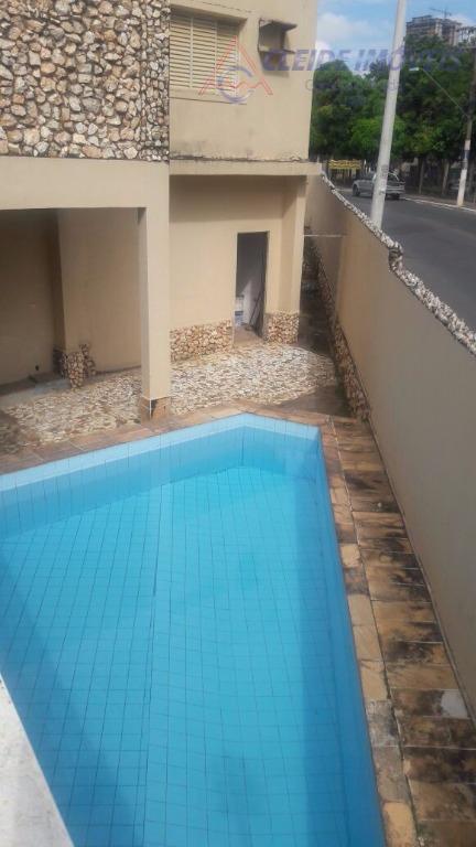 sobrado comercial com 04 salas , 02 banheiros, cozinha, área de serviço,dependência de empregada, garagem, piscina,...