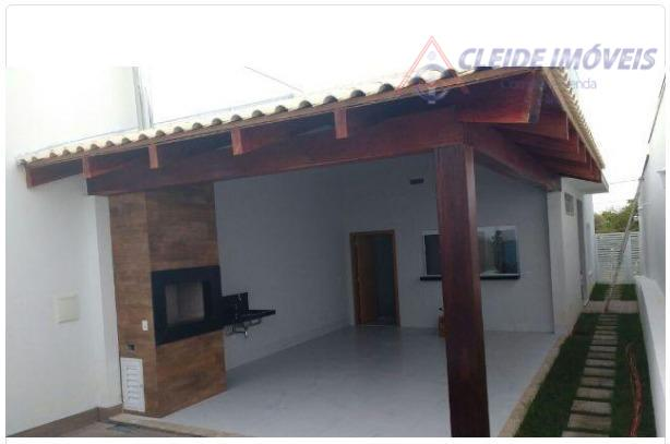 casa térrea recém construída com 217 m², 3 suítes (uma master com closet), pré-instalação para ar...