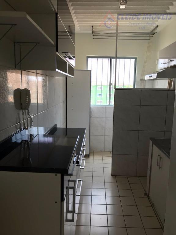 apartamento todo reformado com: sala com ventilador, corredor, 02 quartos, sendo 01 com espelho, banheiro social...