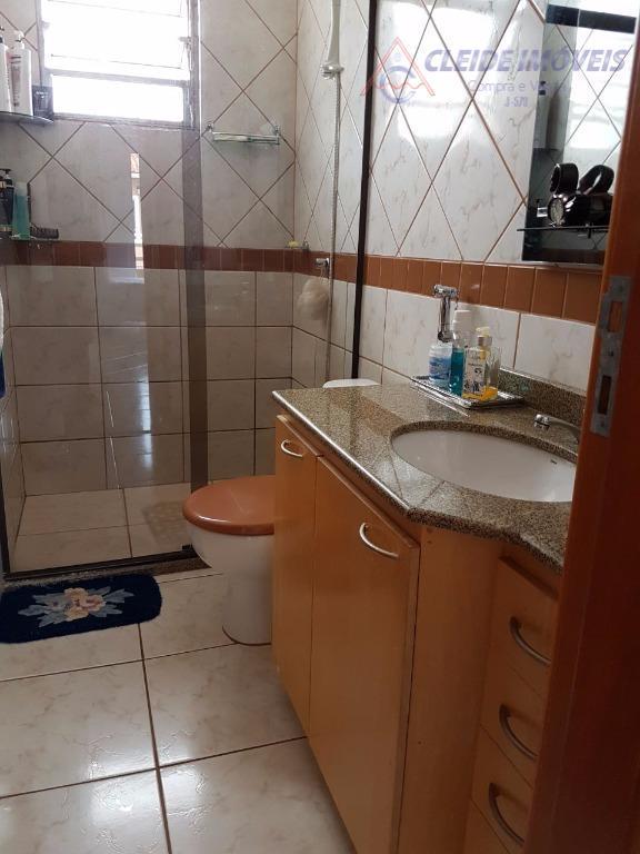 casa em condomínio, 3 quartos sendo 1 suíte, banheiro social, sala de visitas, sala de jantar,...