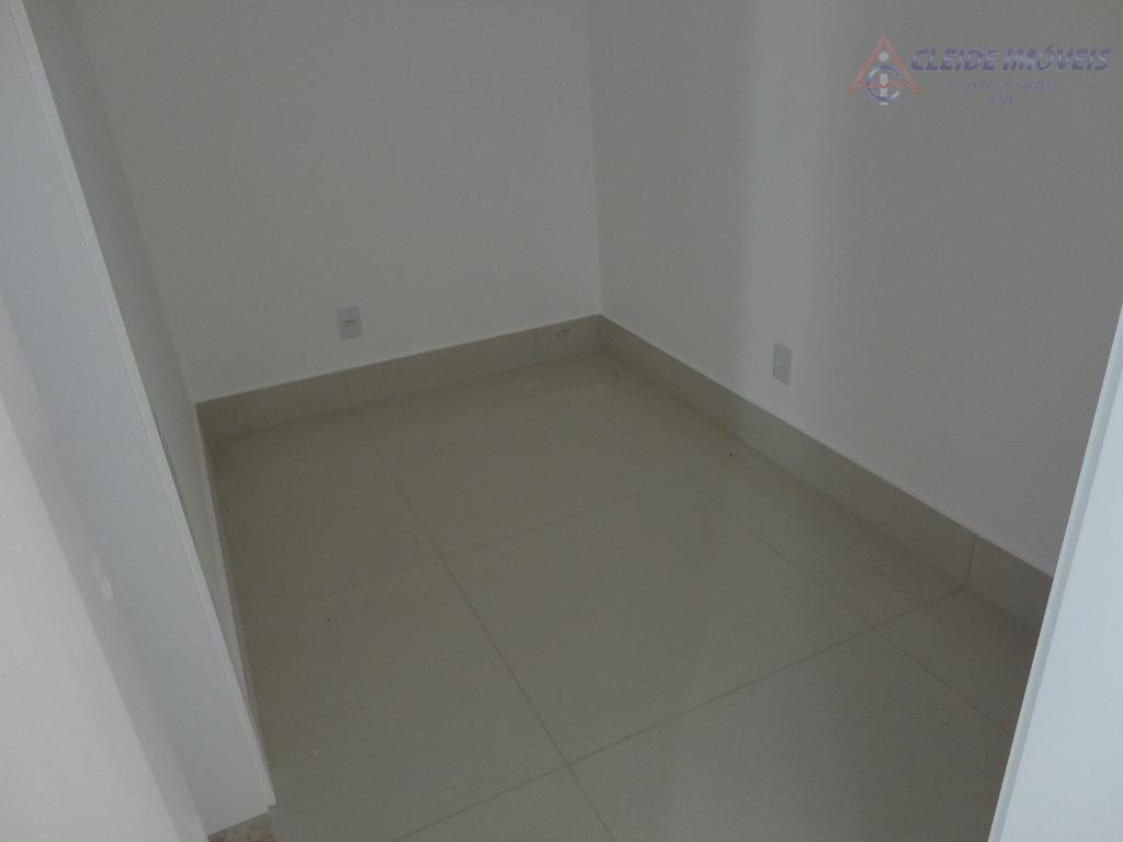 excelente casa tipo sobrado em construção, na parte de baixo, sendo:garagem coberta para dois veículos +...