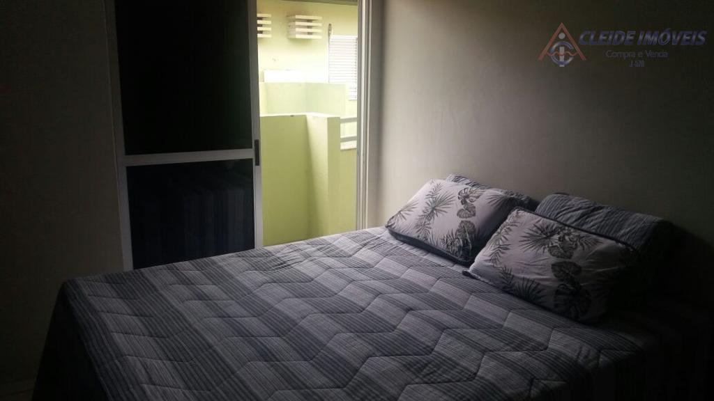 casa residencial do tipo sobrado, em condomínio fechado com ótima localização. contendo na parte inferior: hall...