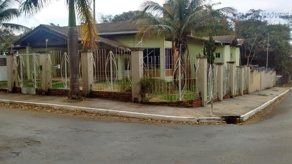 excelente oportunidade !!!casa térrea em chapada dos guimarães-mt, localizada na região central, de esquina - contendo:...