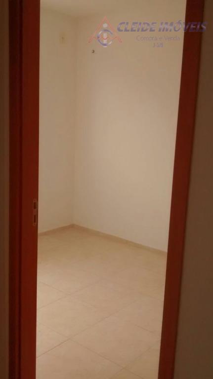 apartamento localizado na chácara dos pinheiros, com 2 dormitórios, banheiro social, sala e cozinha americana, espaço...
