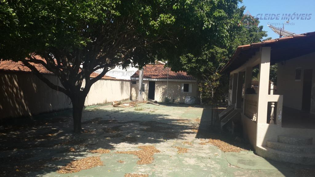 casa em laje térrea, com 2 terrenos, bairro shangri-la, com 3 quartos sendo 2 suítes, com...