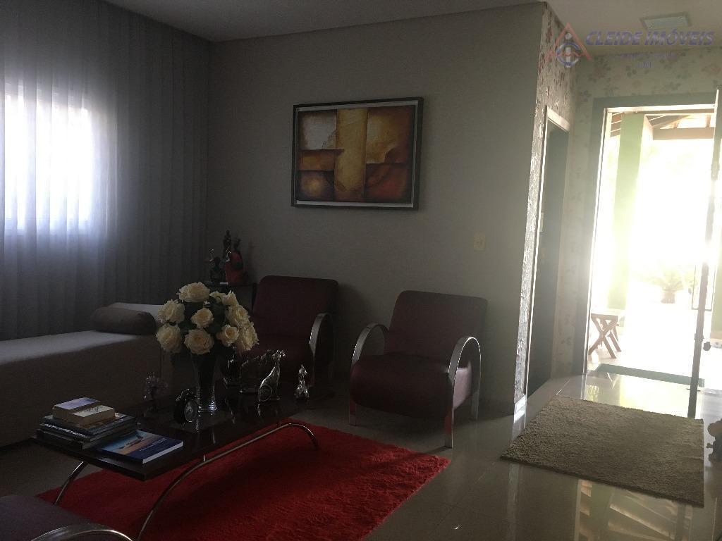 linda casa no bairro jardim guanabara, com excelente acabamento. contendo 4 quartos sendo 03 suítes, sendo...