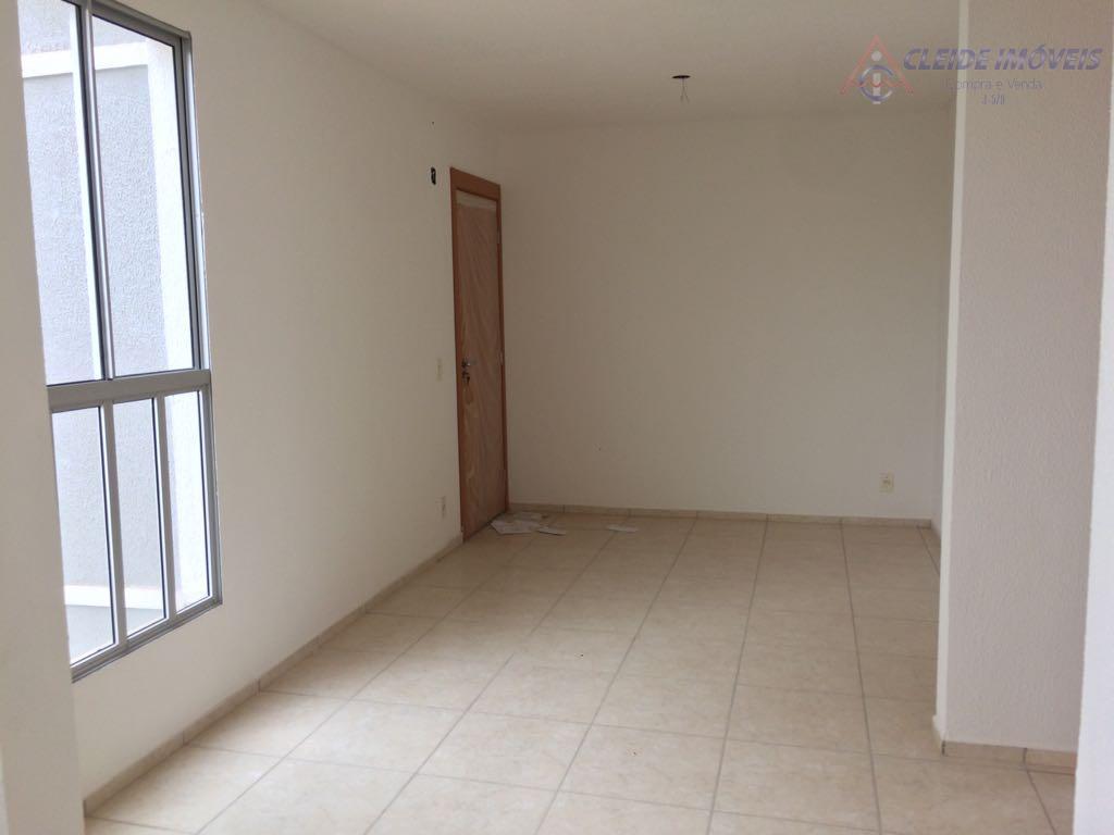 apartamento localizado residencial chapada da serra. com 2 quartos, banheiro, sala e cozinha americana, garagem para...