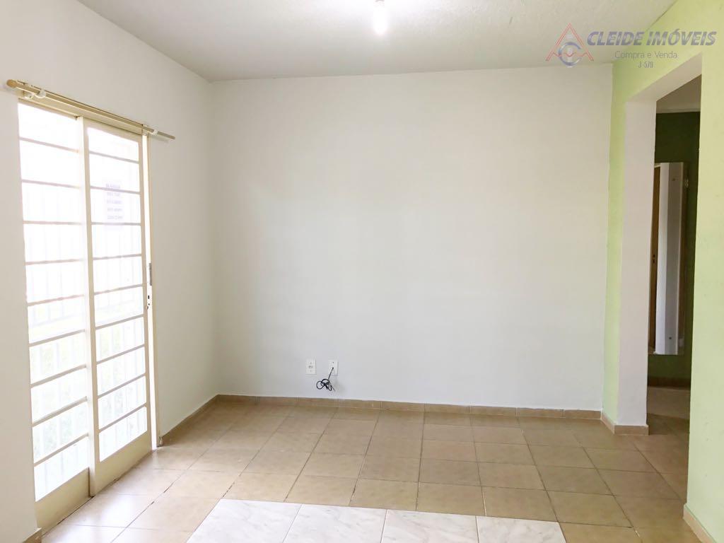apartamento com 2 quartos , atras do mercado extra, próximo a igreja santa rita, wc social,...