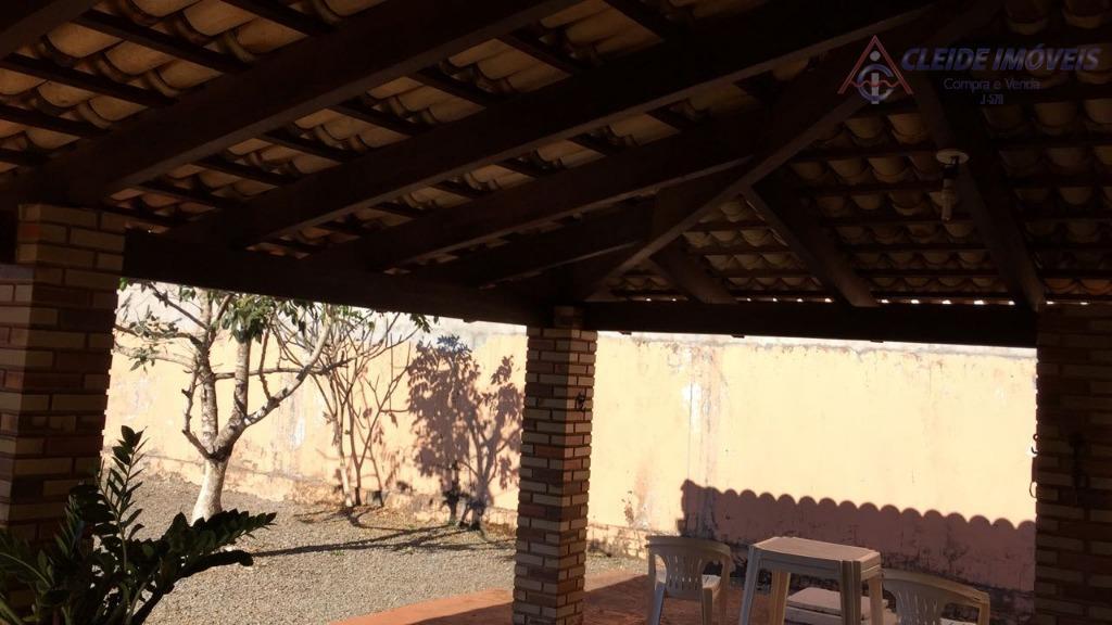 casa em chapada dos guimarães bairro: loteamento bom clima área do terreno 720,00 m2área construída 167,82...