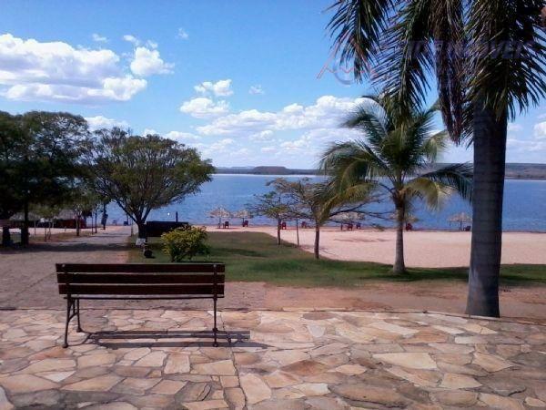 Terreno à venda no Portal do Xaraés, 1511 m² atrás casas faz fundo lago.