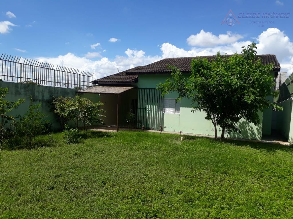 Casa com 3 dormitórios para alugar por R$ 1.300/mês - Santa Cruz II - Cuiabá/MT