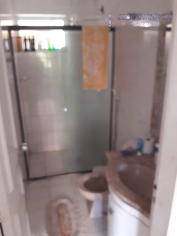 apartamento com 03 quartos com armários, banheiro social, sala 02 ambientes com sacada, cozinha com armários,...