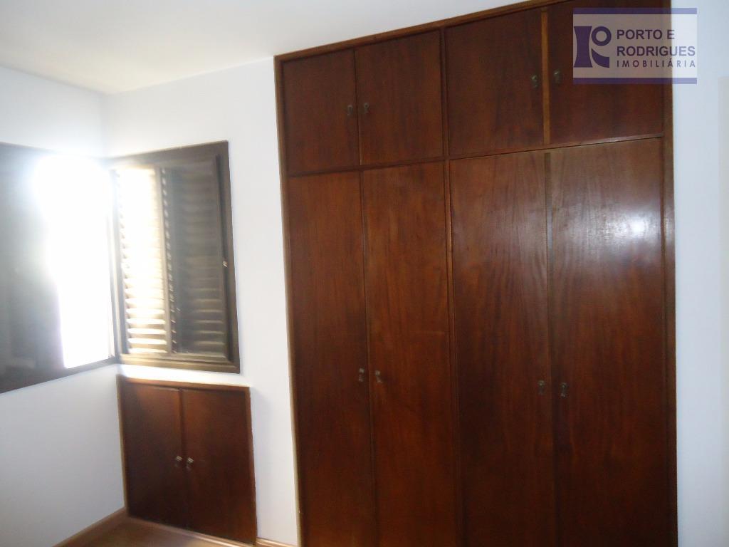 excelente apto com 1 dormitório com armário, sala ampla, wc social grande, garagem. próximo a supermercados....