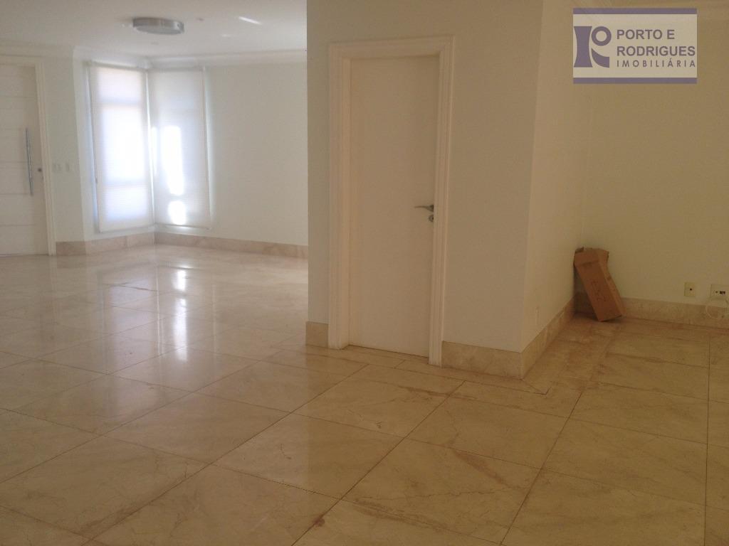 linda casa em condomínio, 05 dorm com suite, 02 salas, lavabo, area de churrasqueira com deck...