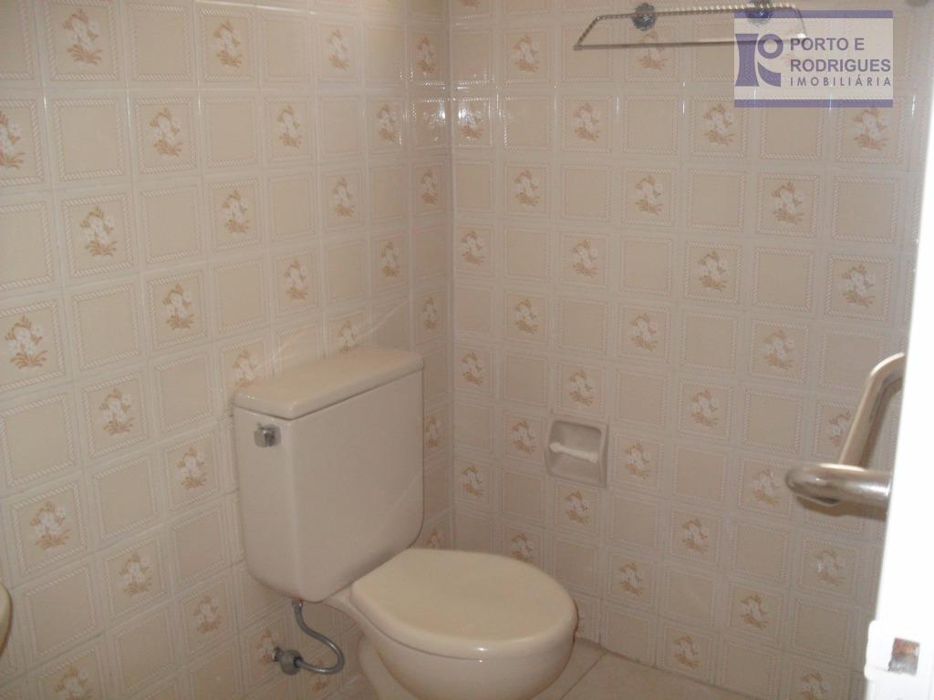 apartamento de 1 dormitório, com armário embutido, sala, cozinha, lavabo, ventilador, piso em paviflex, 01 vaga...