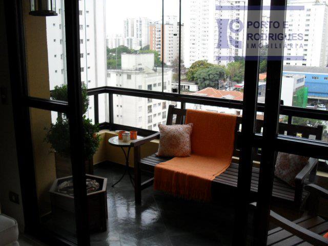 belíssimo apto com living para 2 ambientes( sala de jantar e estar) com sacada, lavabo, 3...