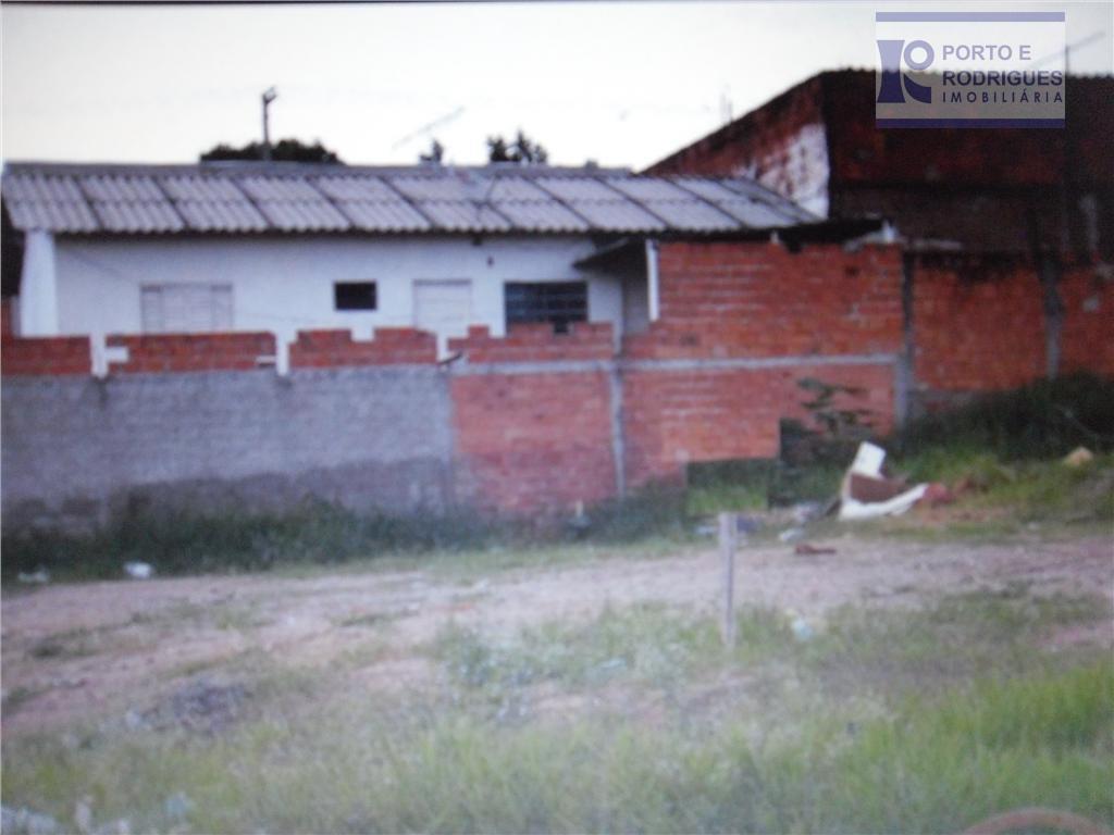 terreno de esquina com 283 m2, único lote sem construçãocom a seguinte medida: 3 x 16...