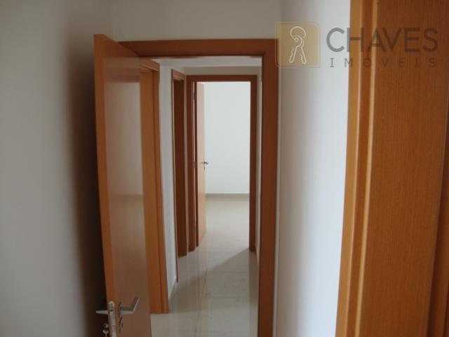 apartamento residencial - 03 dormitórios; 03 suítes; 04 banheiros; 02 vagas de garagem.
