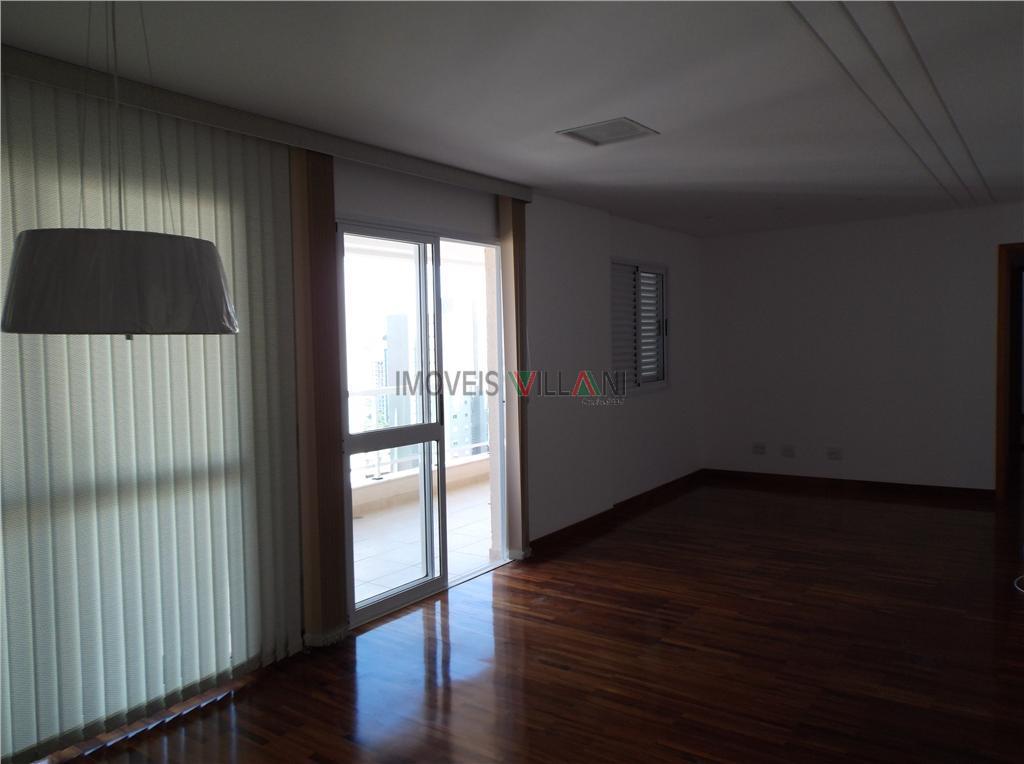 Lindo apartamento no Jardim Aquárius com mais de 120 m² e todo planejado.