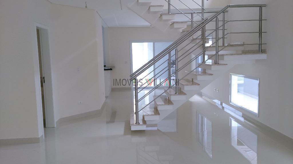 Excelente sobrado em condomínio fechado, localizado no bairro Urbanova - Zona Oeste de São José dos Campos.