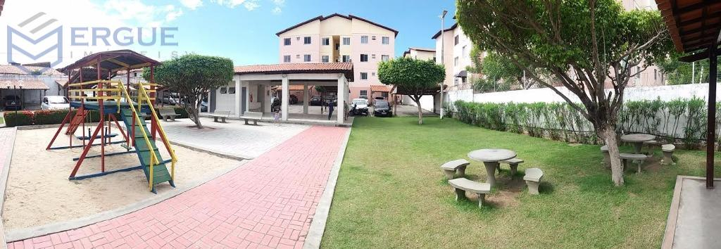 Apartamento residencial à venda, Itaperi, Fortaleza.