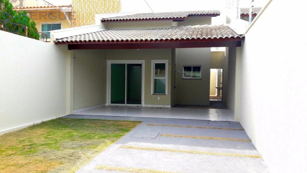 Excelente Casa na Sapiranga a poucos metros da Av. Edilson Brasil Soares !!!