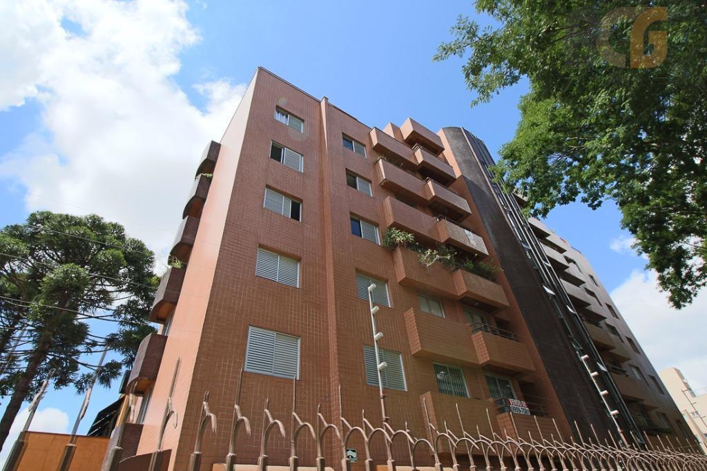 Apartamento no bairro Bacacheri