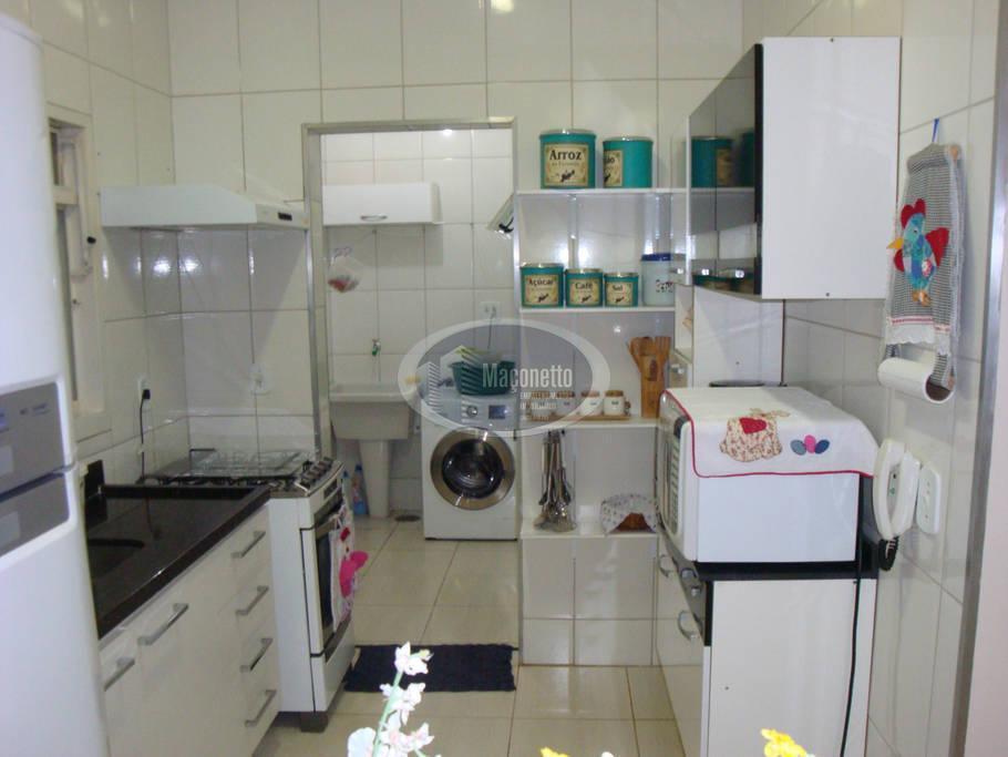 more neste apartamento com espaço de uma casa com quintal.amplo, com duas vagas de garagem-estrutura comercial...